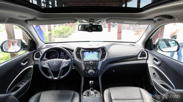 Cho thuê tự lái Hyundai Santafe đời 2017 mới koong giá cạnh tranh.