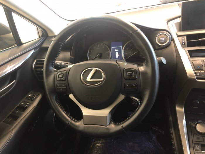 Lexus nx200t giao xe ngay bảo hành 3 năm
