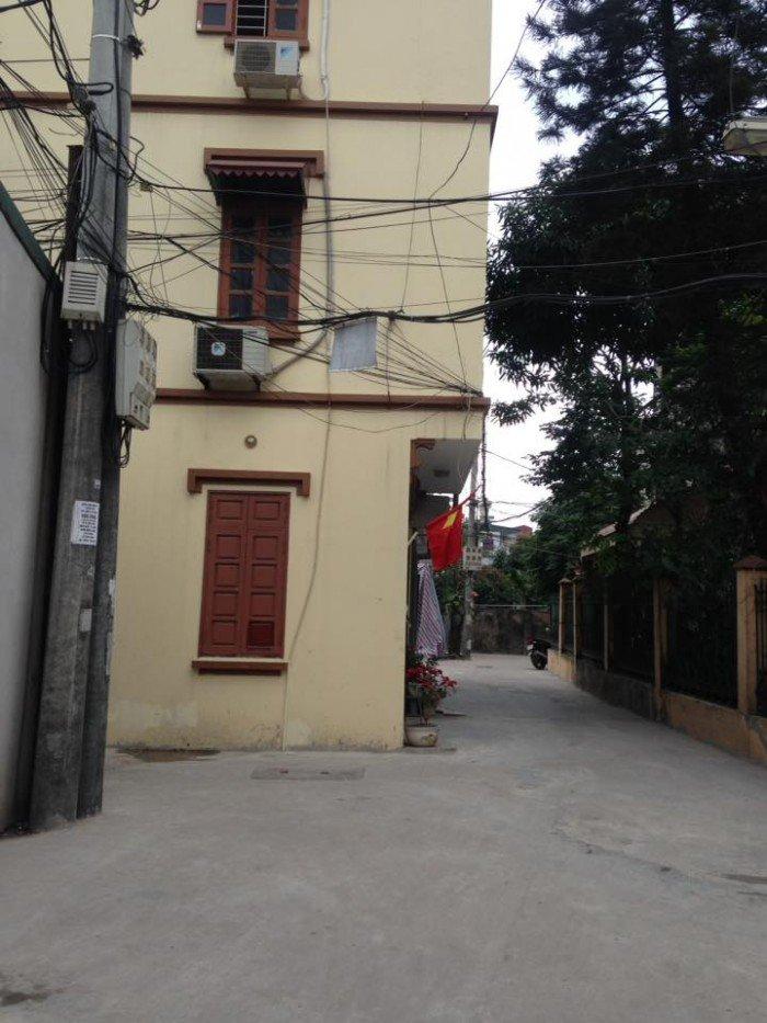 Bán đất cực rẻ quận Hoàng Mai, vuông vắn lô góc 3 mặt thoáng,  ô tô 7 chỗ đỗ cửa, giá rẻ nhất thị trường.