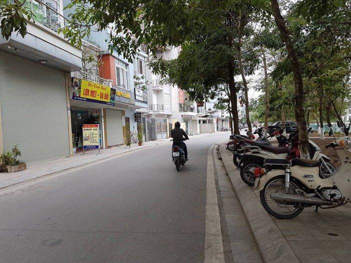 Bán KS mặt hồ Tây phố Nhật Chiêu thu nhập 70tr/tháng