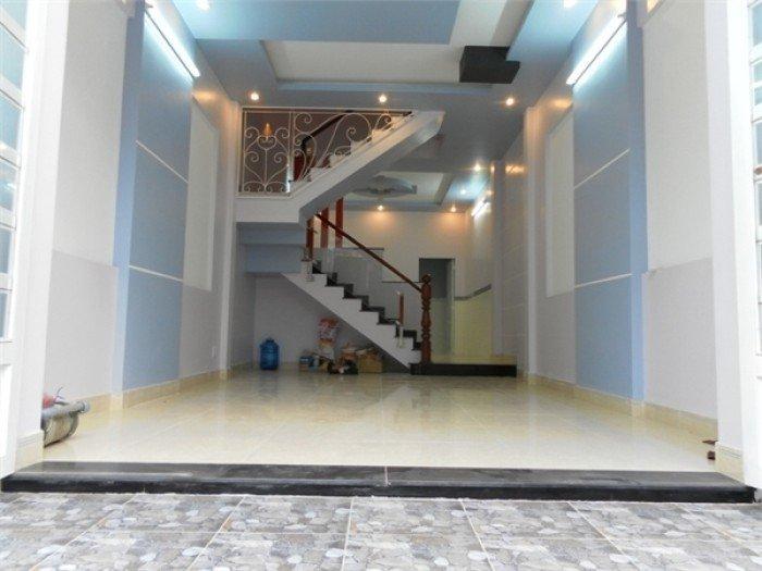 Nhà HXH cách chợ Bình Trị Đông 200m đúc thật