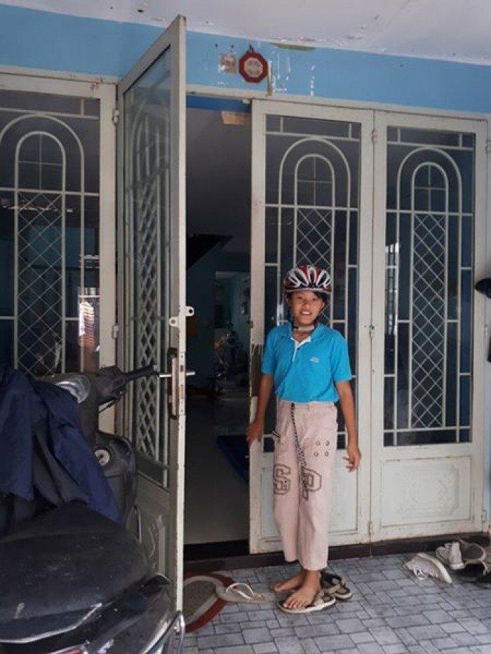 Bán nhà hẻm 2.5m Nguyễn Biểu, Q5, DT: 3x9m, trệt, 2 lầu