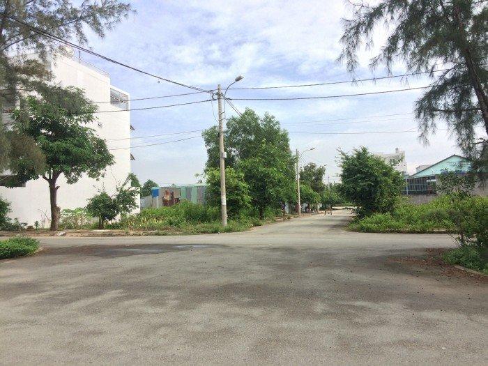KẸT VỐN!!! bán 530m2 TC mặt tiền Lê Văn Việt, ngang 20m nở hậu, SHR.