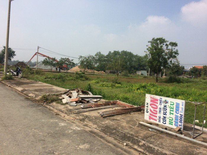 Đất đầu tư, ở và buôn bán ngay chợ Long Cang chỉ 8,5 tr/m2 thanh toán 350 tr nhận đất xây dựng