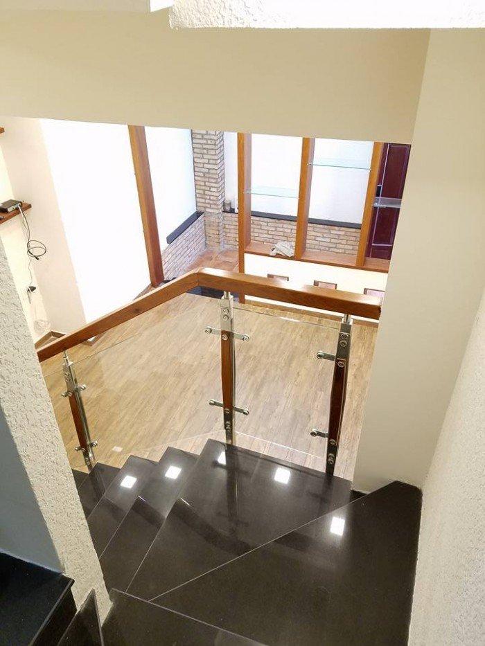 Bán nhà HXH Lý Chính Thắng Q3, DT 40m,3 tầng