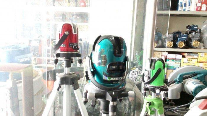 Máy cân bằng laser 5 tia xanh1