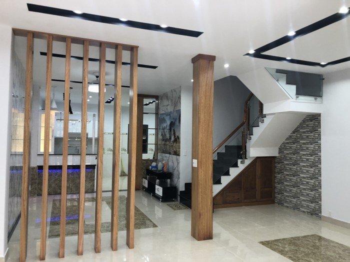 Bán nhà 4 tầng mới đẹp HXH 5.5m đường Thành Thái, Q10, DT 6x17, vuông vức