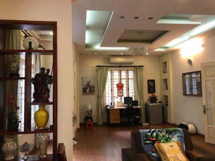 Bán nhà phân lô VIP Trần Quang Diệu, Hoàng Cầu, gara ô tô
