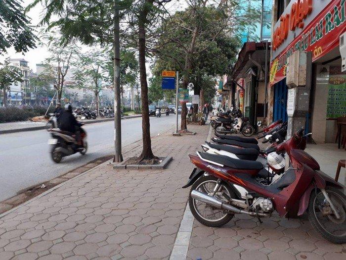 Bán nhà mặt đường Vũ Tông Phan. Vỉa hè 5m, MT 8m, kinh doanh