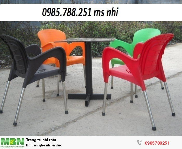 Bộ bàn ghế nhựa đúc1