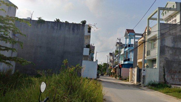 Cần bán lô đất hẻm 47 đường trường lưu, phường long trường Q9, cách chợ Long Trường 300M giá rẻ