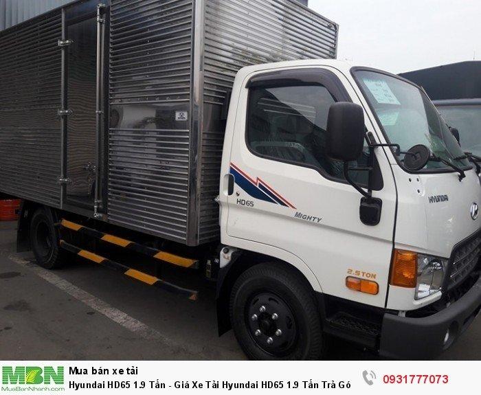 Hyundai HD65 1.9 tấn vào thành phố vào giờ cao điểm , đóng thùng xe theo yêu cầu khách hàng