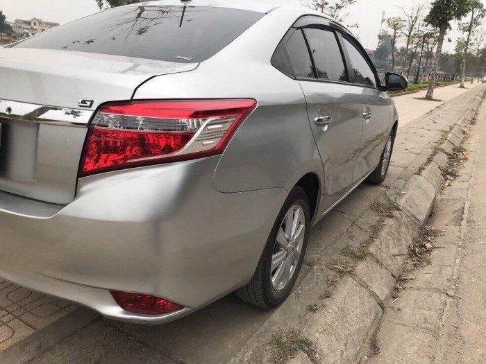 Kẹt tiền chia tay Vios 2017 G số tự động màu bạc xe đi đúng 500 Km