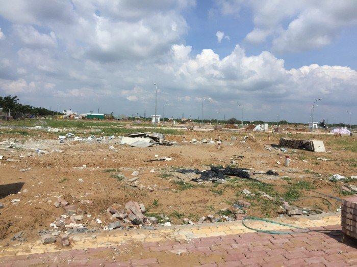 Khu dân cư Long Hậu chủ đầu tư là công ty CP Long Hậu nằm cạnh KCN Long Hậu - cạnh cum cảng Hiệp Phước.