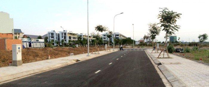 Bán đất mặt tiền Nguyễn Duy Trinh Quận 2, đã lên thổ cư, thích hợp đầu tư
