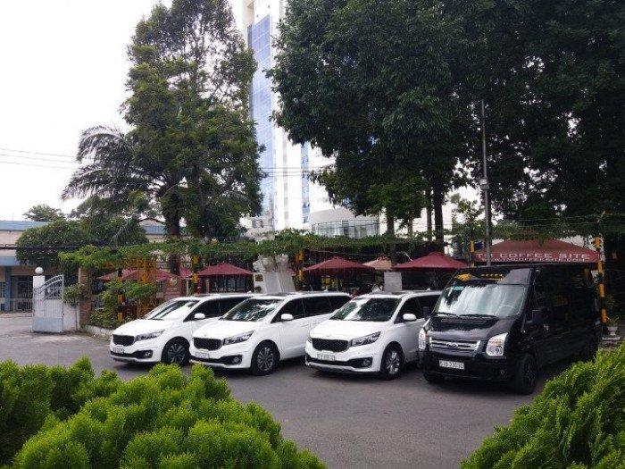 Cho thuê ô tô du lịch Sài Gòn 7-9 chỗ