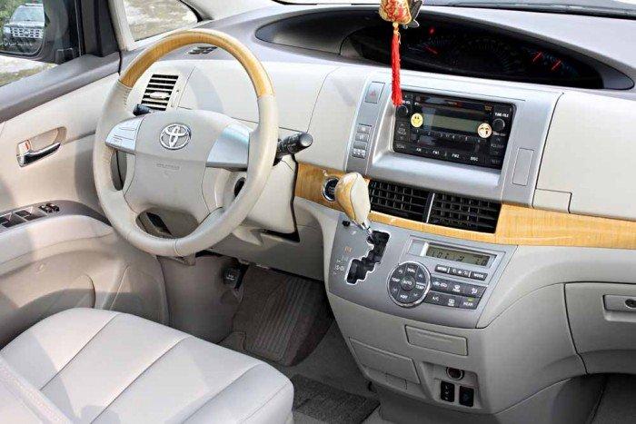 Toyota Previa GL 2.4L model 2008 14