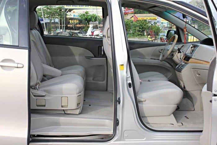 Toyota Previa GL 2.4L model 2008 5
