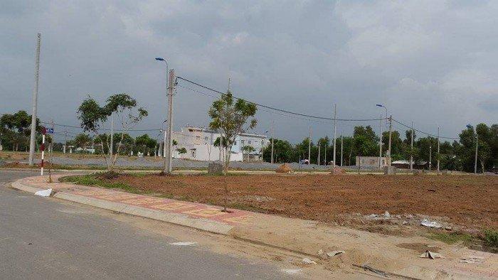 đất Q.2. đối diện TAND. gần chợ , trường học. SHR