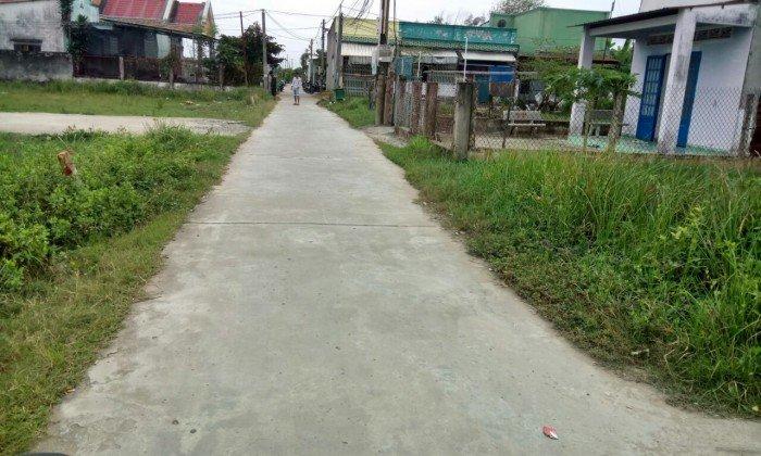 Bán đất  thổ cư sổ riêng 100% ngay trung tâm xã Chợ Đại Phước cách phà Cát Lái chỉ 3km giá 760tr