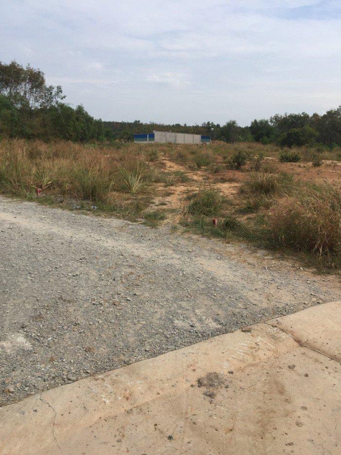 Bán gấp đất ngay huyện đội Tân Uyên, chỉ 300tr/nền sổ riêng