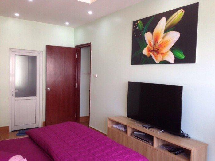 Cần bán căn hộ 61m2 thiết kế 2PN, cửa chính Đông tầng cao, view đẹp nội thất sang tọng