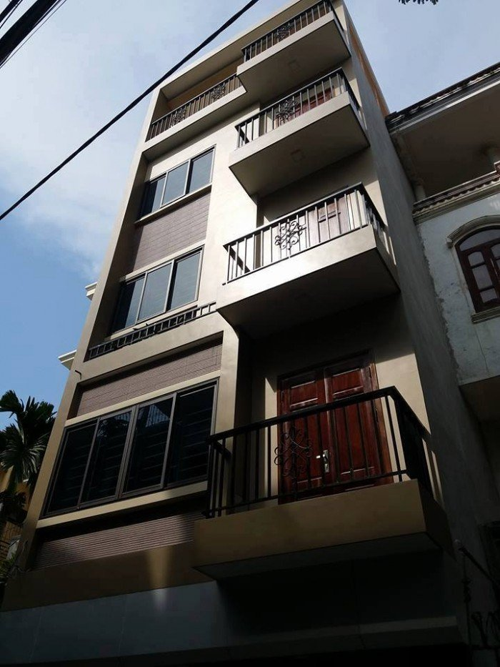 Bán nhà mặt phố kinh doanh Giải Phóng, 110m2