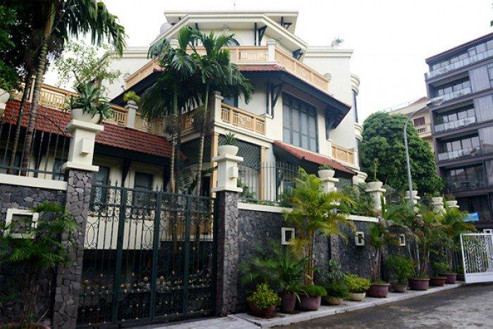 Bán biệt thự đường Hoa Mai P2 Phú Nhuận 8 x 18m