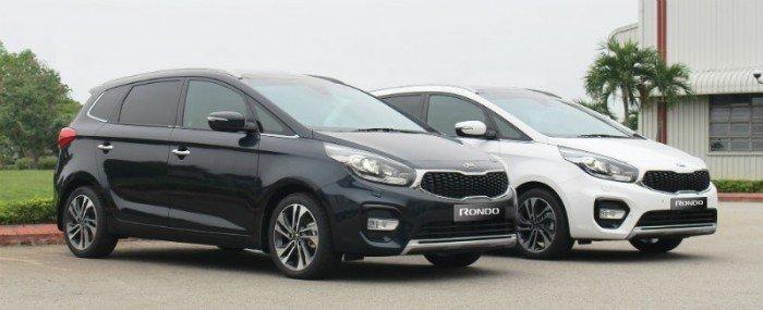 Kia Rondo sản xuất năm 2018 Số tự động Động cơ Xăng