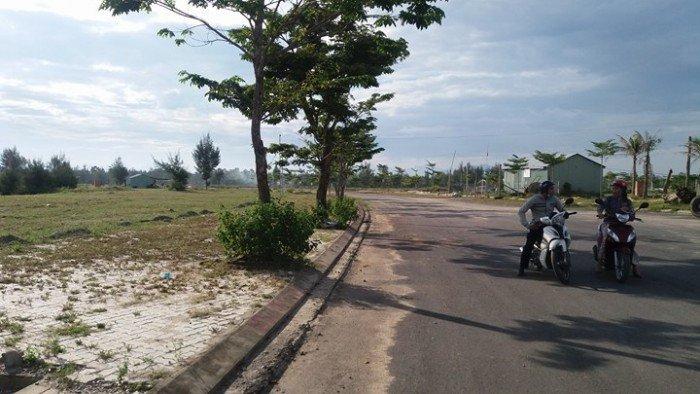 Bán gấp 2 lô kẹp góc đường Ung Văn Nghiêm, hướng Đông-Nam.