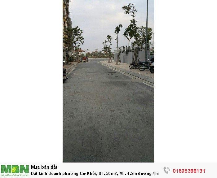 Đất kinh doanh phường Cự Khối, DT: 50m2, MT: 4.5m đường 4m, giá: 1.8 tỷ.