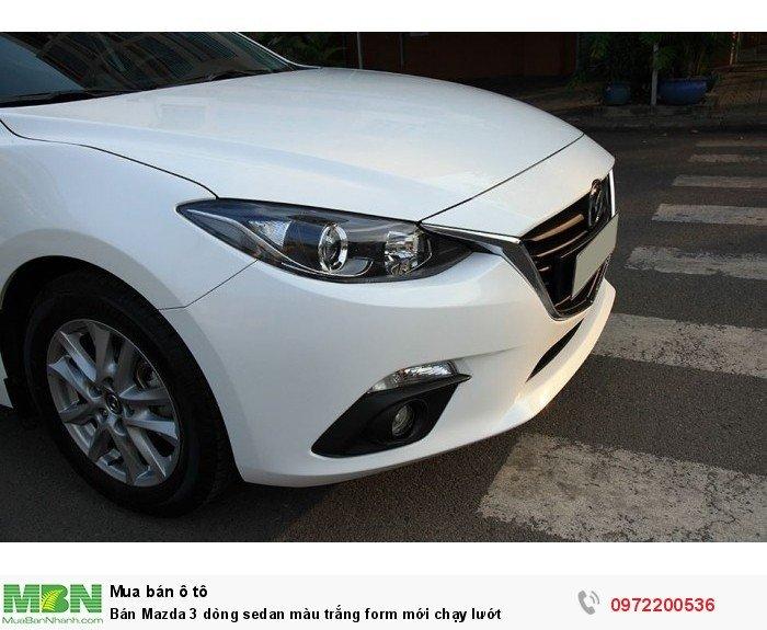 Bán Mazda 3 dòng sedan màu trắng form mới chạy lướt 3