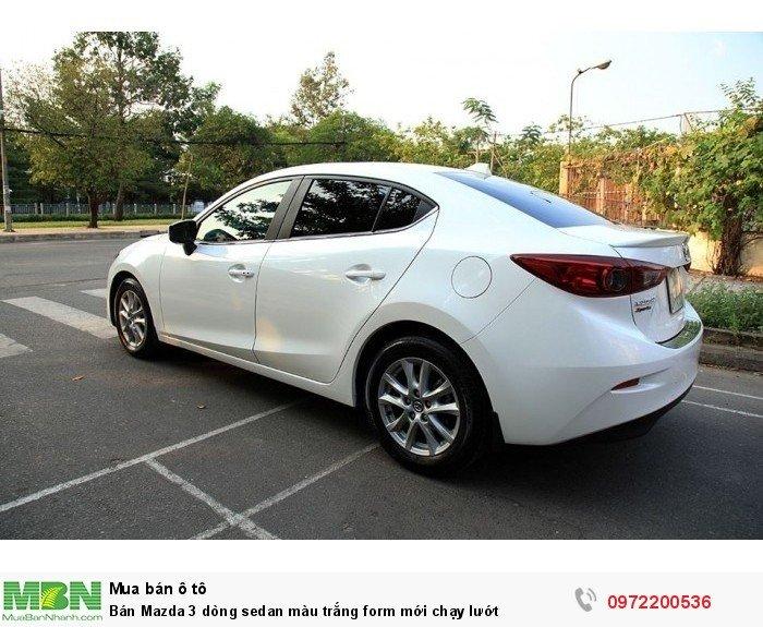 Bán Mazda 3 dòng sedan màu trắng form mới chạy lướt 4