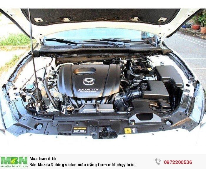 Bán Mazda 3 dòng sedan màu trắng form mới chạy lướt 9