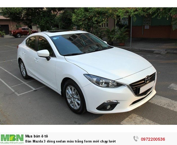 Bán Mazda 3 dòng sedan màu trắng form mới chạy lướt 10