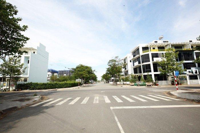 Tôi cần bán 2 lô đất Nguyễn Duy Trinh P. Trường Thạnh q.9 gần chợ Long Trường