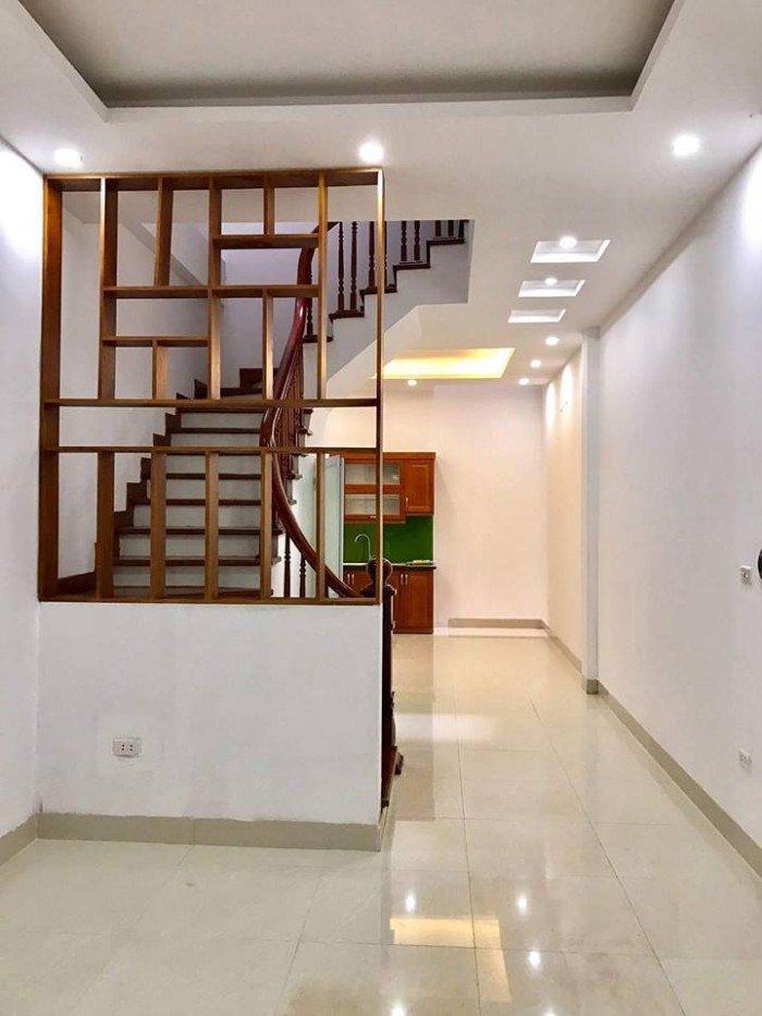 Bán nhà Ngọc Hà mt 4m, nhà xây 5 tầng tiện kinh doanh.