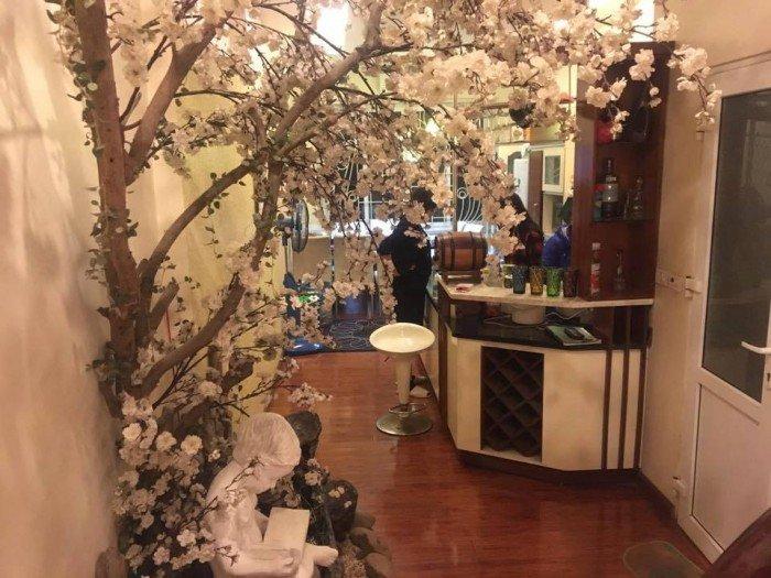 Chính chủ cần tiền bán Gấp nhà đẹp, kinh doanh phố Nguyễn Chí Thanh, Đống Đa 5 tầng, mặt tiền 3.8m