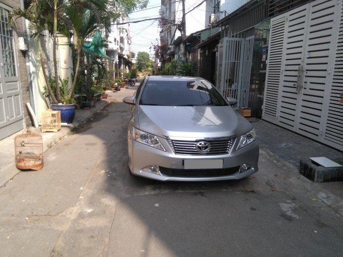 Nhà em bán Camry 2.0 E 2014 màu bạc xe rất đẹp nhà xài kỹ 5