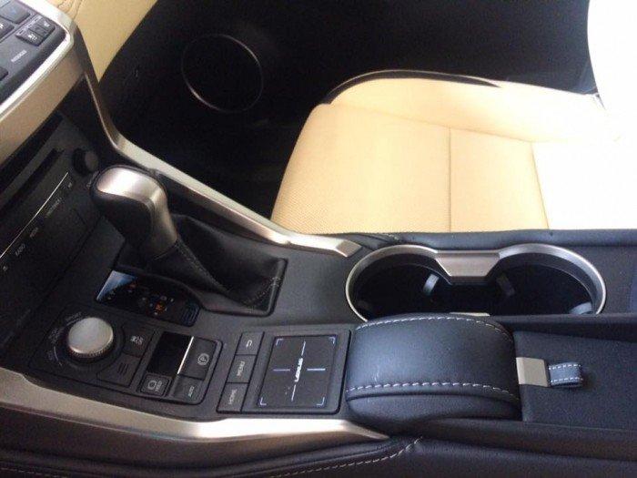 Giao ngay Lexus NX200T màu nâu nhập Mỹ.