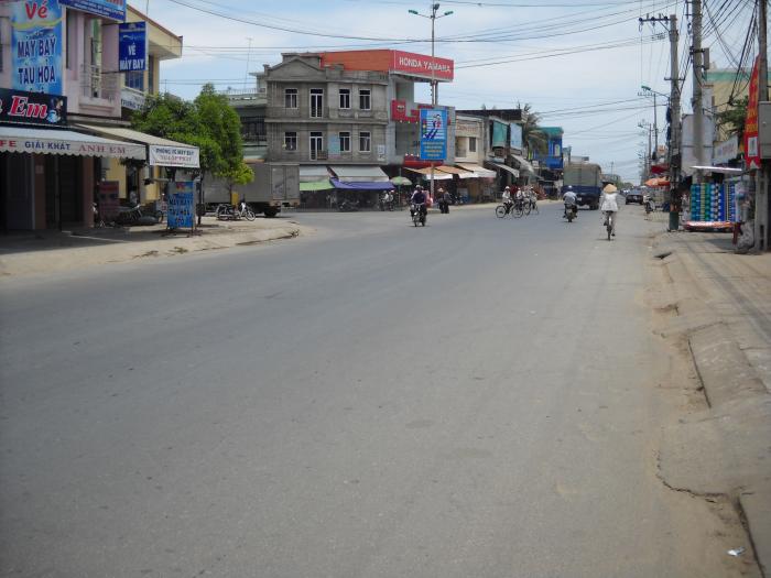KIOT chợ Điện Nam Bắc nằm trên trục đường chính Đà Nẵng Hội An