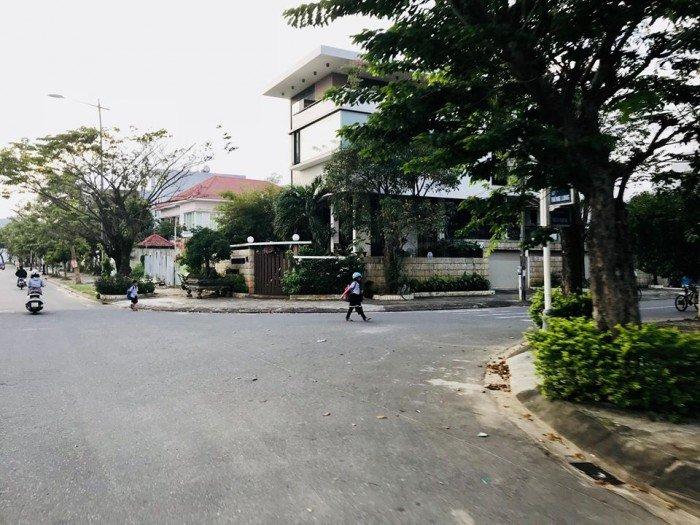 Cần bán biệt thự ven sông Hàn gần trung tâm Thương Mại mới Quận Hải Châu với giá rẻ nhất thị trường