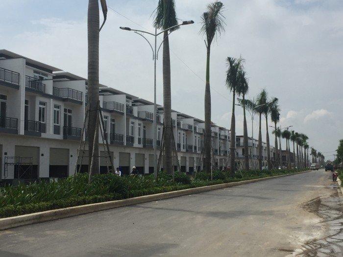 Nhà phố 1 trệt 2 lầu mới 100% MT Nguyễn Văn Bứa