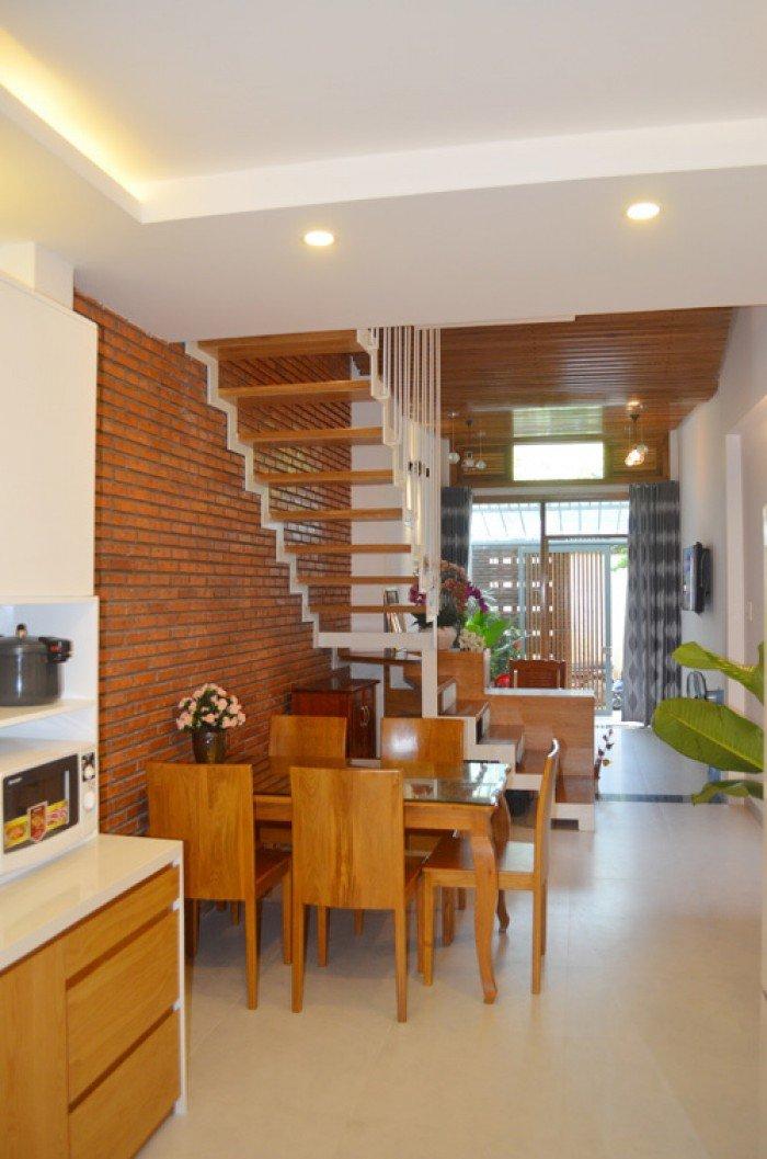 Bán nhà 4 tầng, nguyên mới cách đường Nguyễn Văn Linh 20m quận Lê Chân, giá 3,6 tỷ