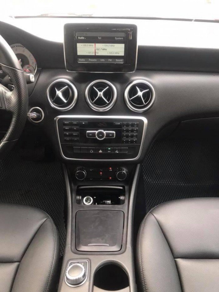 Mercedes-Benz A200 sản xuất năm 2013 Số tự động Động cơ Xăng