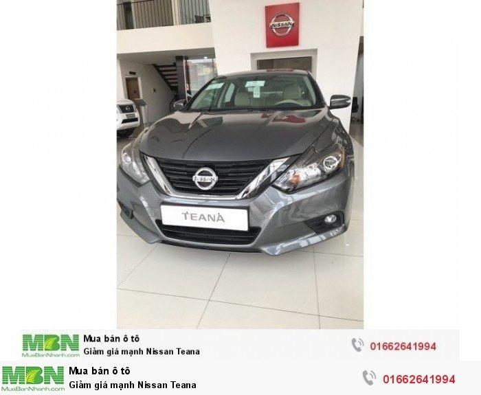 Giảm giá mạnh Nissan Teana
