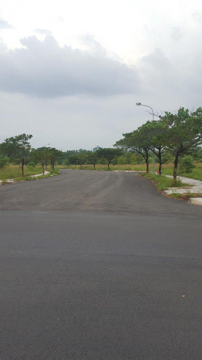 Cần bán đất mặt tiền đường nhựa kdc Thung Lũng Xanh