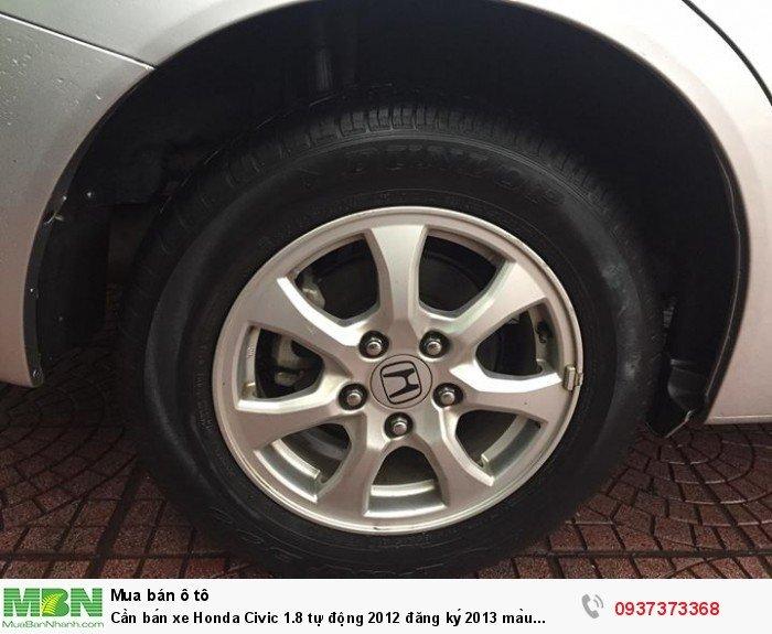 Cần bán xe Honda Civic 1.8 tự động 2012 đăng ký 2013 màu bạc form mới