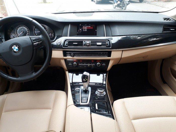 Cần bán BMW 520i đời 2015 màu ghi, biển hà nội