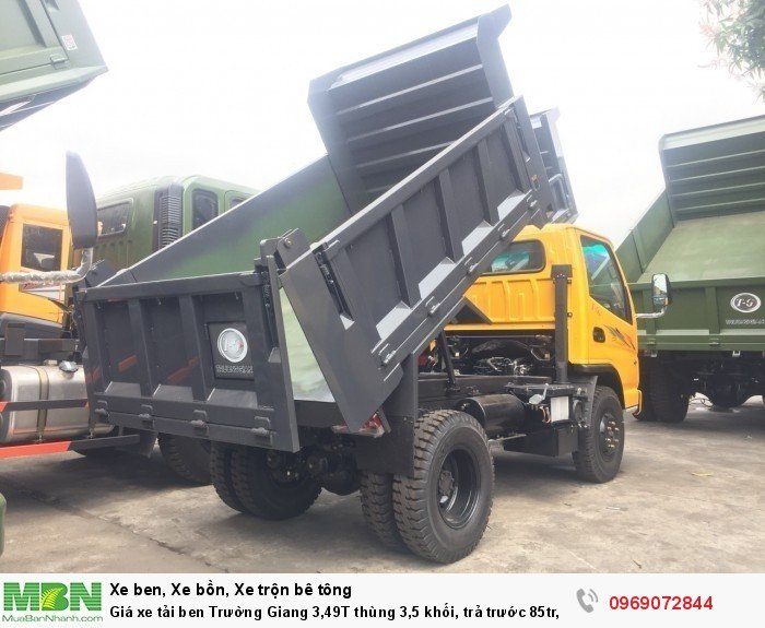 Giá xe tải ben Trường Giang 3,49T thùng 3,5 khối, trả trước 85tr, giao xe ngay 10